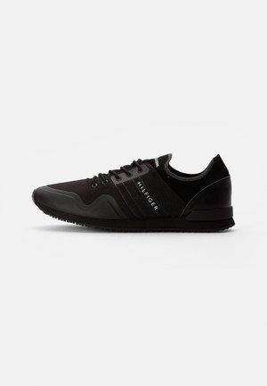 ICONIC SOCK RUNNER - Trainers - black