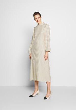 VANESSA  DRESS - Denní šaty - ecru
