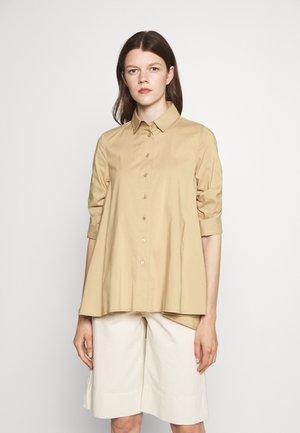 BENITA FASHIONABLE BLOUSE - Button-down blouse - desert