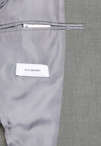 Isaac Dewhirst - THE RELAXED SUIT  - Oblek - light grey - 7