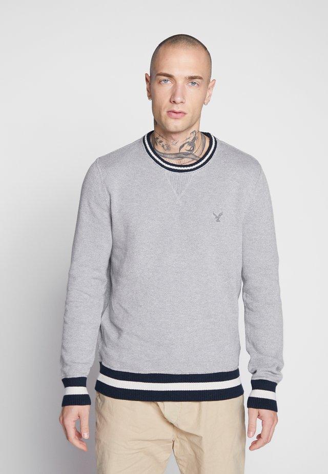 SET IN CREW - Jumper - medium heather gray