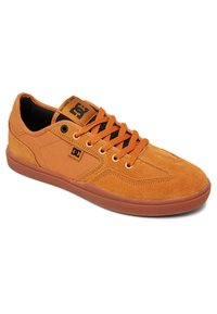 DC Shoes - Trainers - wheat - 2