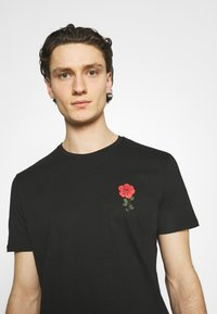 YOURTURN - Print T-shirt - black - 3