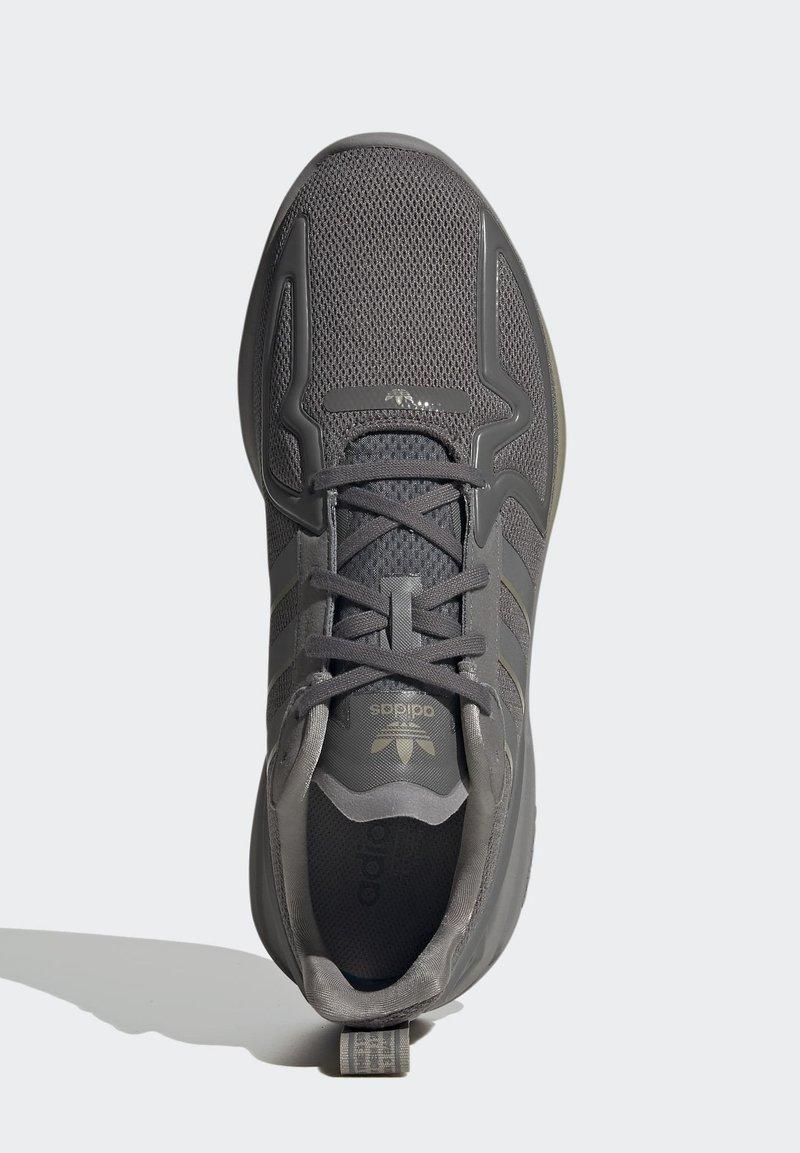 AAA-laatu adidas Originals ZX 2K FLUX SHOES  Matalavartiset tennarit  grey k23dO