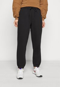 ONLY Petite - ONLFEEL LIFE PANT - Tracksuit bottoms - black - 0