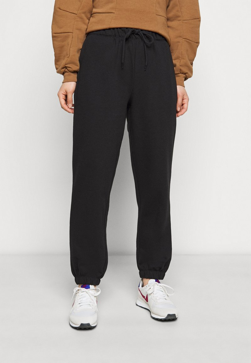 ONLY Petite - ONLFEEL LIFE PANT - Tracksuit bottoms - black