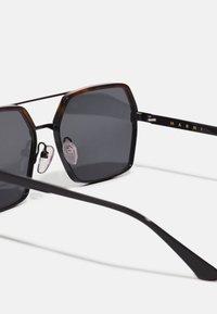 Marni - UNISEX - Sunglasses - havana/black - 2