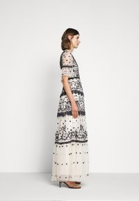 Needle & Thread - MIDSUMMER GOWN - Occasion wear - champagne/black - 5