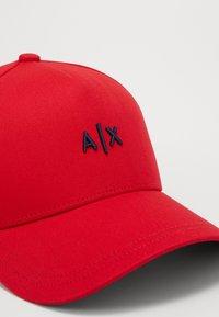 Armani Exchange - BASEBALL HAT - Kšiltovka - red/navy - 6