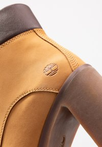 Timberland - ALLINGTON 6IN LACE UP - Schnürstiefelette - wheat - 2