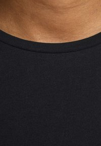 Jack & Jones - JJECURVED TEE O NECK - Basic T-shirt - black - 4