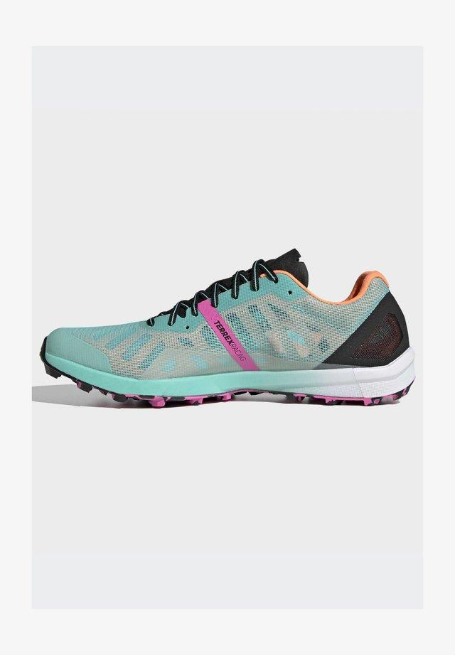 TERREX SPEED PRO  - Trail running shoes - green