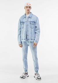 Bershka - Relaxed fit jeans - light blue - 1