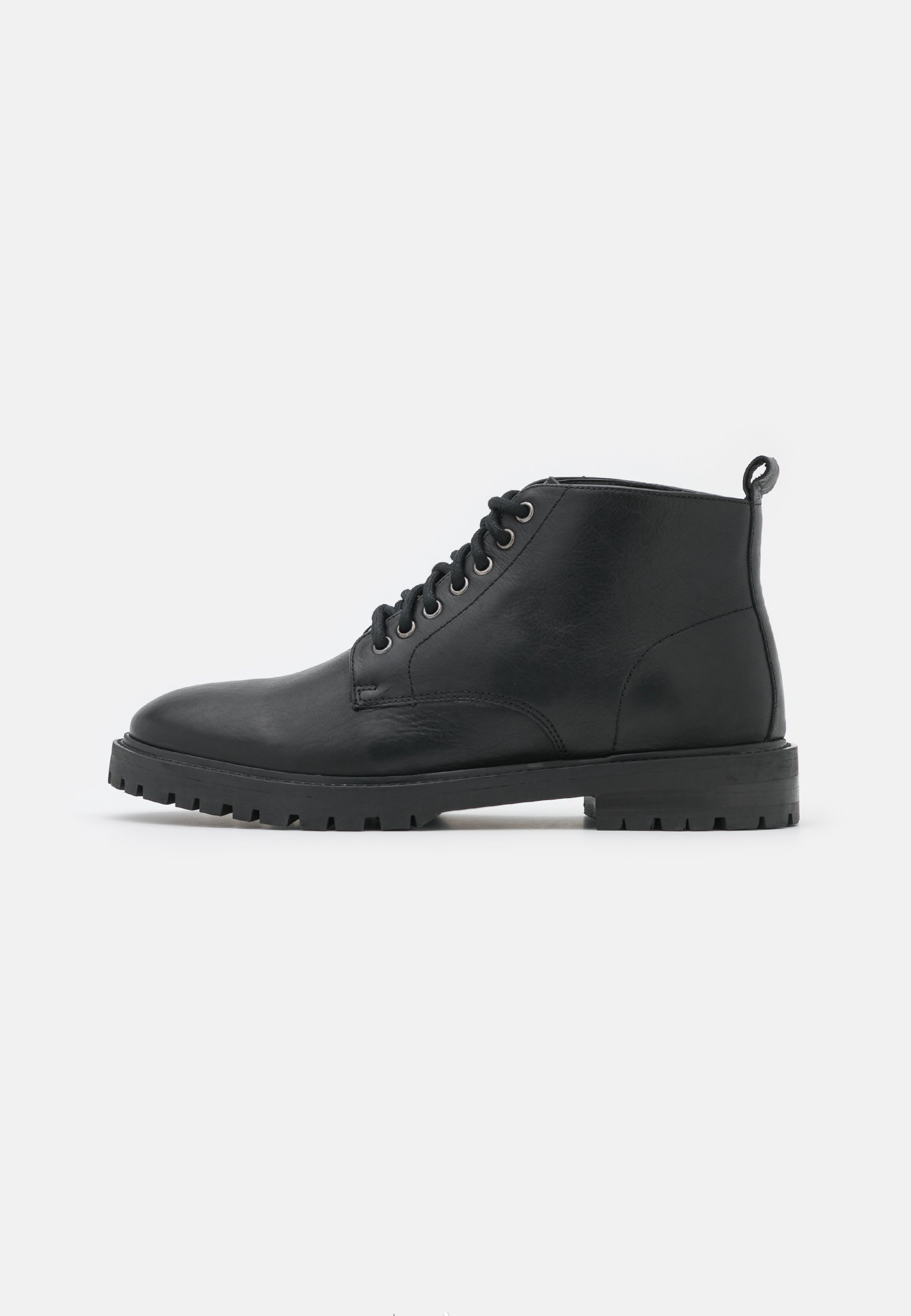 Men JAMES CHUKKA BOOT - Lace-up ankle boots
