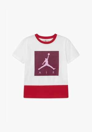JUMPMAN LUXE COURT TEE - T-shirts print - white