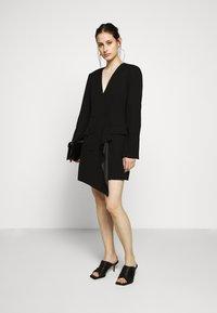 BCBGMAXAZRIA - EVE SHORT DRESS - Etuikjole - black - 1