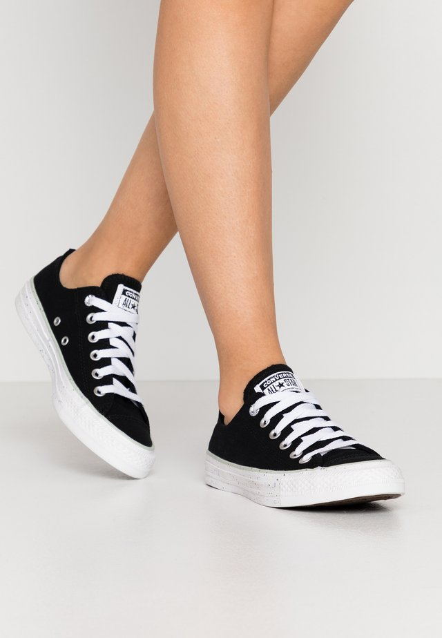 CHUCK TAYLOR ALL STAR - Sneakers laag - black/white/green oxide