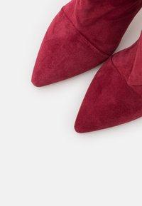Iro - STEVIE - Laarzen met hoge hak - burgundy - 6