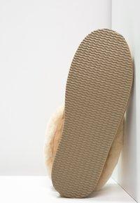 Shepherd - LENA - Slippers - chestnut - 5