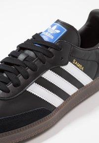 adidas Originals - SAMBA - Trainers - cblack/ftwwht/gum5 - 5