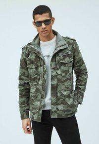 Pepe Jeans - Summer jacket - waldgrün - 0