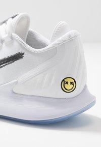 Nike Performance - AIR ZOOM HC - Multicourt tennis shoes - white/metallic summit white/black/canary - 5