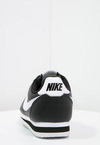 Nike Sportswear - CORTEZ - Sneaker low - black/white - 4