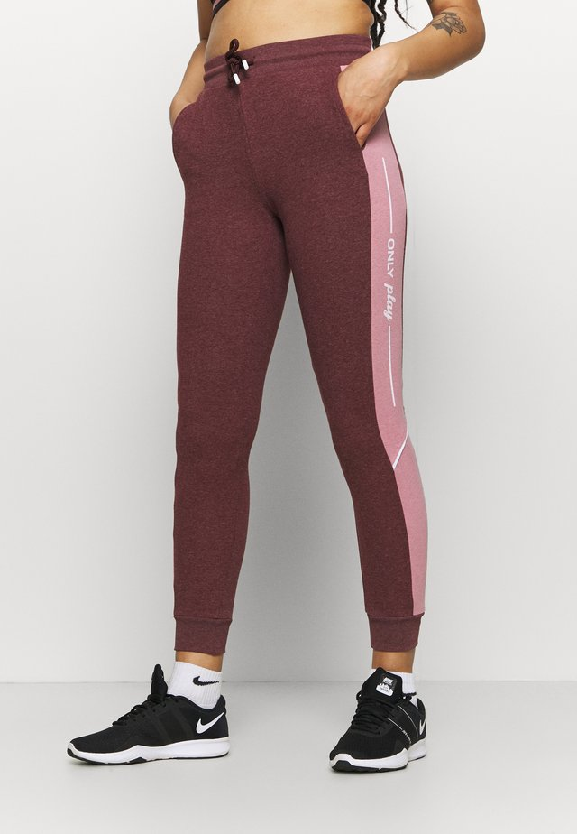 ONPOLAY SLIM PANTS - Pantaloni sportivi - fudge melange/mesa rose/white