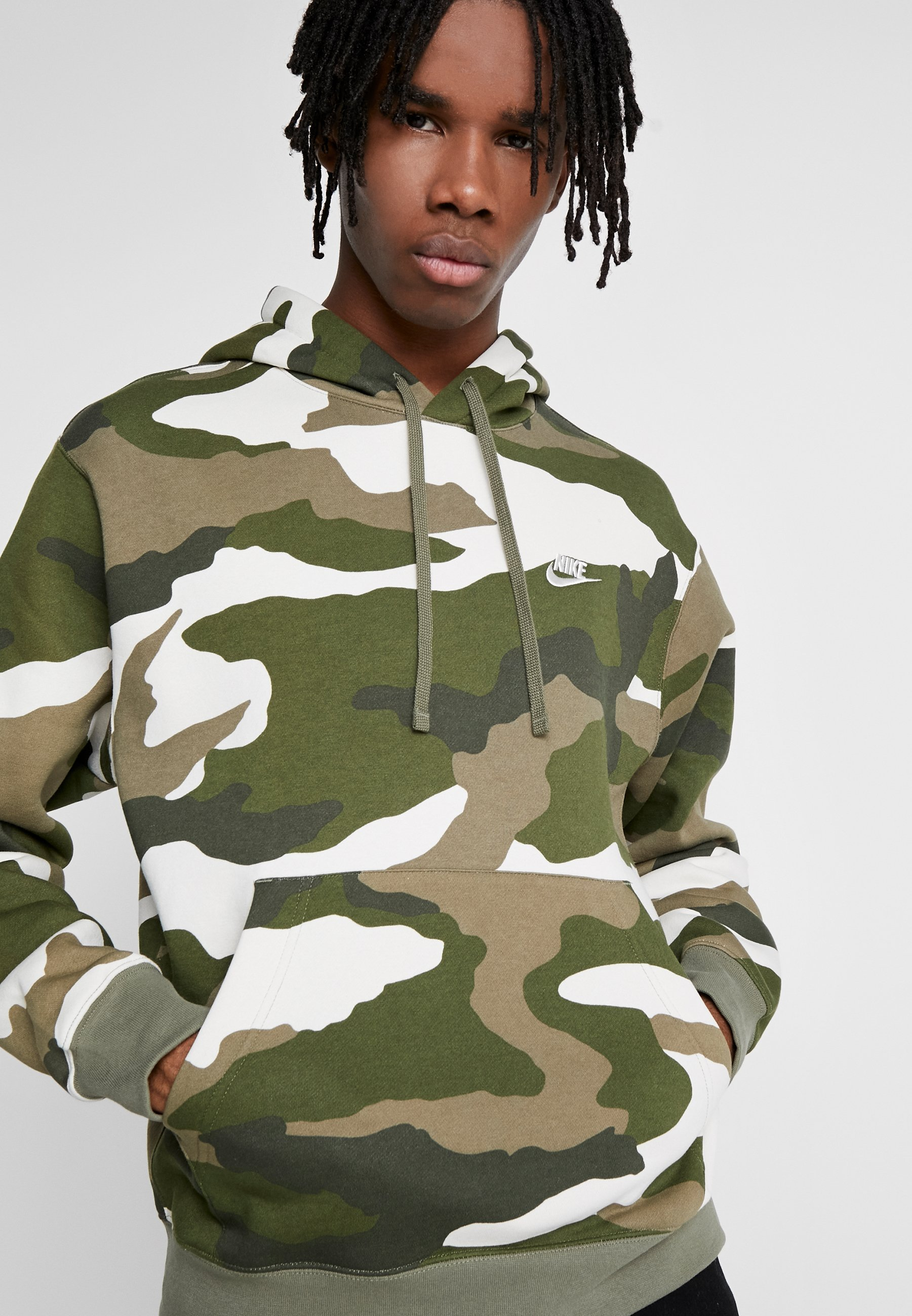Nike Sportswear CLUB - Sweat à capuche - medium olive
