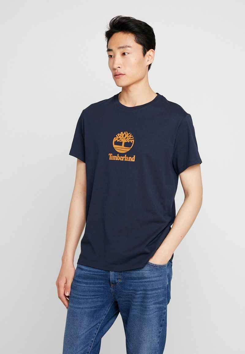 Timberland - STACK LOGO TEE - T-shirt con stampa - dark sapphire