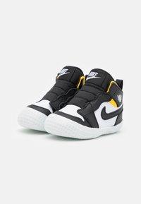 Jordan - 1 CRIB UNISEX - Sports shoes - black/white - 1