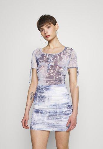 SCARF PRINT MINI - Shift dress - blue