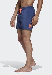 adidas Performance - SOLID TECH SWIM SHORTS - Shorts - blue - 3