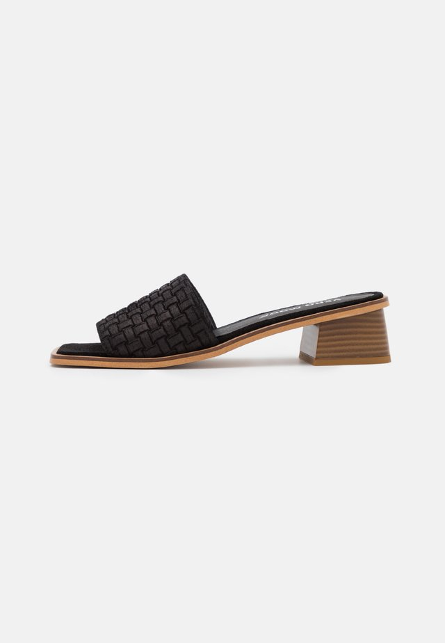 VMFEM - Heeled mules - black