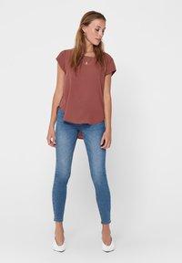 ONLY - ONLVIC SOLID  - Camiseta básica - apple butter - 1