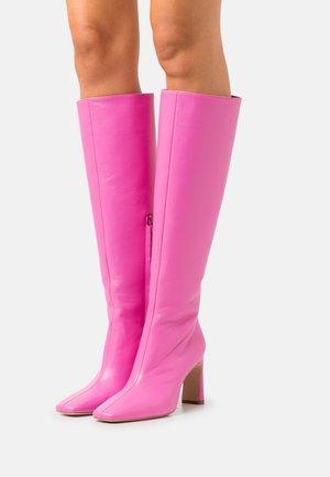LEONIE HANNE - Boots - fuxia