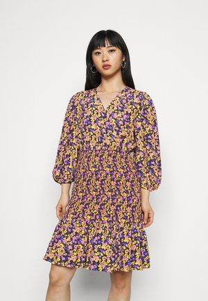 YASSORI SMOCK DRESS - Korte jurk - black/olive
