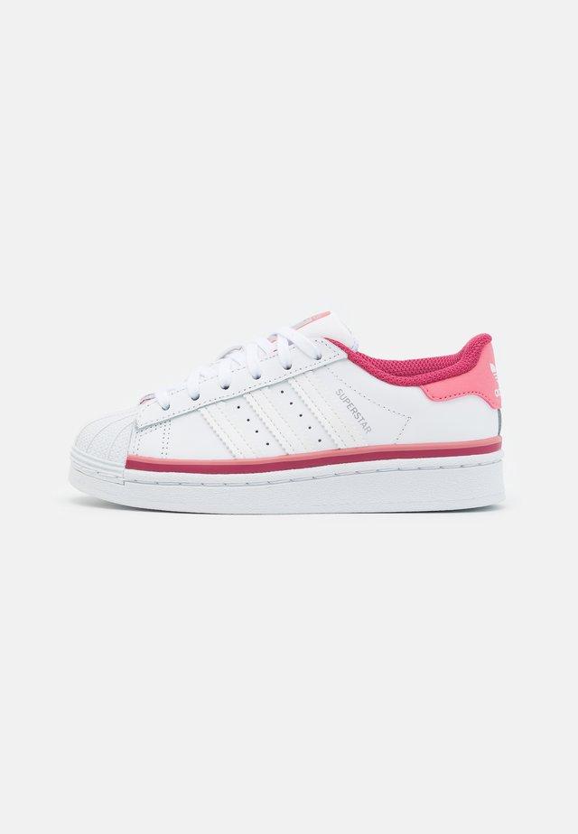 SUPERSTAR UNISEX - Trainers - footwear white/hazy rose