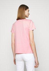 Pinko - QUENTIN - Print T-shirt - rosa - 2