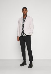 Calvin Klein Tailored - SHORT SLEEVE FLOWER PRINT  - Shirt - print / black - 1
