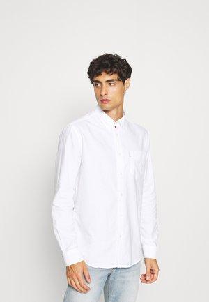 SIGNATURE SHIRT - Skjorte - white