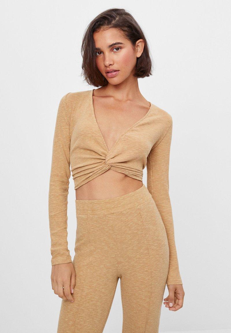Bershka - Long sleeved top - beige