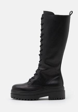 Platform boots - black