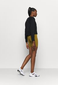 Nike Performance - ONE SHORT - Legging - olive flak/white - 2