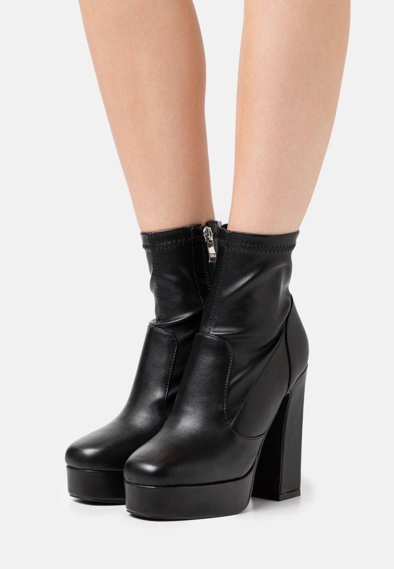 BEBO - WALKER - Kotníková obuv na vysokém podpatku - black