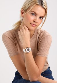 Guess - LADIES TREND - Reloj - white - 0