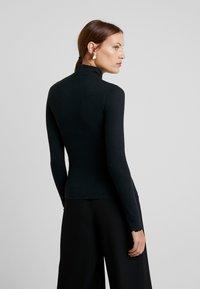 Abercrombie & Fitch - SLIM TURTLENECK - Maglietta a manica lunga - black - 2