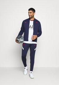 Nike Performance - FRANKREICH FFF - Klubové oblečení - blackened blue/university red - 1