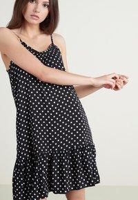 Tezenis - Day dress - nero st.pois - 0