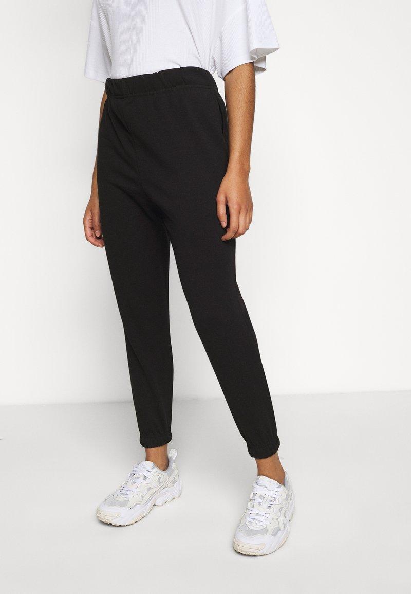 Vero Moda Petite - VMELLA BASIC PANT - Trousers - black